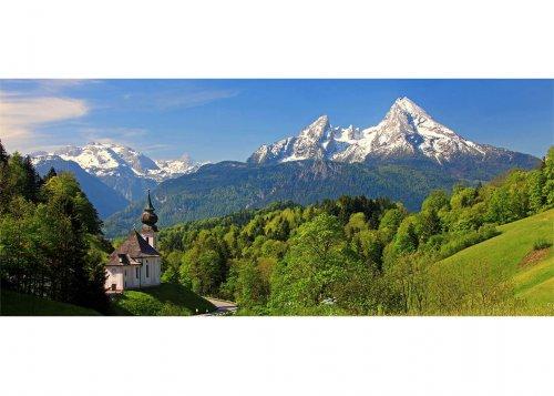 Wallfahrtskirche Maria Gern gegen Funtenseetauern (2579m) Schönfeldspitze (2653m) und Watzmann (2713m), Berchtesgaden, Oberbayern, Bayern, Deutschland, Fotomontage