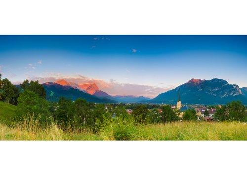 Blick zur Zugspitzgruppe (2962m) und Kramer (1985m) im Alpenglühen, Garmisch-Partenkirchen, Oberbayern, Bayern, Deutschland