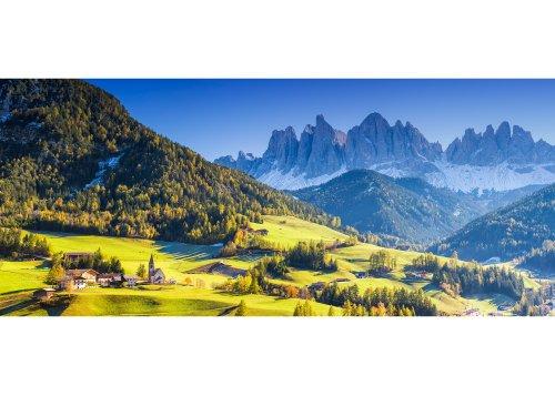St. Magdalena mit Blick zur Geislergruppe (3025m), Naturpark Puez-Geisler, Villnösstal, Trentino-Südtirol, Italien