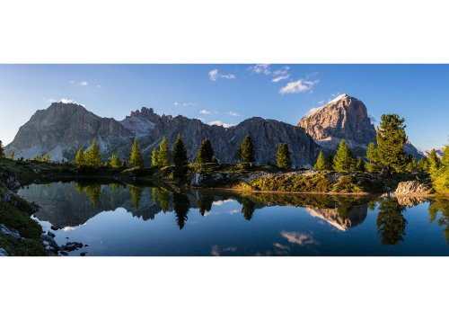 Blick vom Lago di Limides zum Lagazuoi (2778m) und Tofana di Rozes (3225m) in der Fanesgruppe, Falzaregopass, Cortina d'Ampezzo, Dolomiten, Provinz Belluno, Venetien, Italien