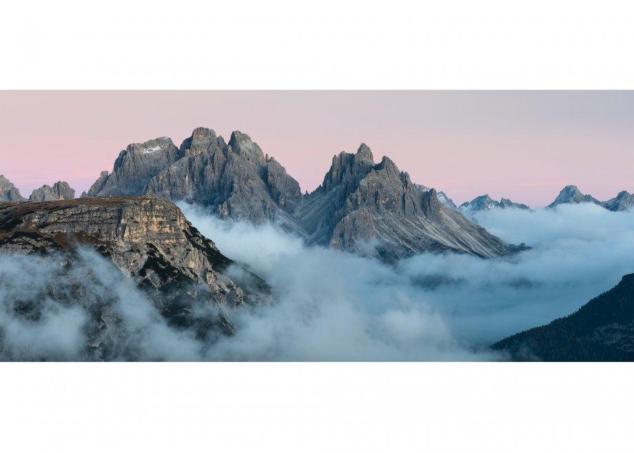 Blick zum Monte Piana (2324m) und zur Cadinigruppe (2839m) am Abend, Hochplateau Plätzwiese, Naturpark Fanes-Sennes-Prags, Dolomiten, Provinz Bozen, Trentino-Südtirol, Italien